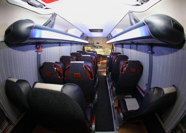 Minibús Mercedes Deluxe para 14 personas. Imagen 2