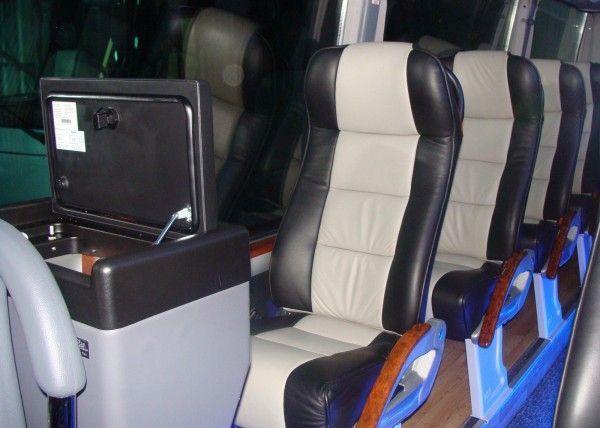 Minibús Mercedes Deluxe para 14 personas. Imagen 5