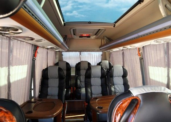 Minibús Mercedes Gran Luxe para 9 personas. Imagen 1