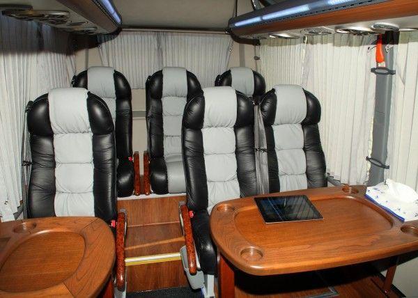 Minibús Mercedes Gran Luxe para 9 personas. Imagen 2