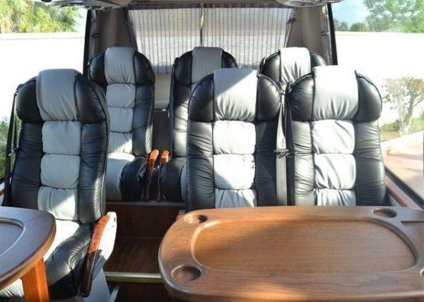 Minibús Mercedes Gran Luxe para 9 personas. Imagen 3