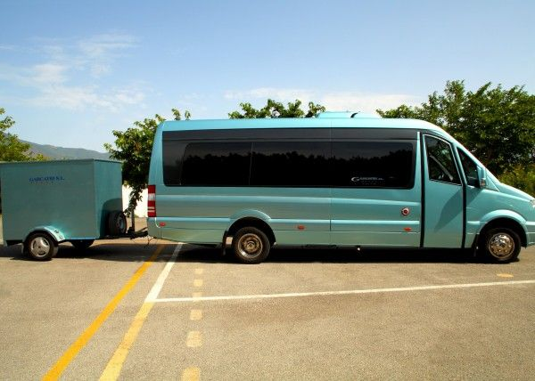 Minibús Mercedes Deluxe para 16 personas. Imagen 2