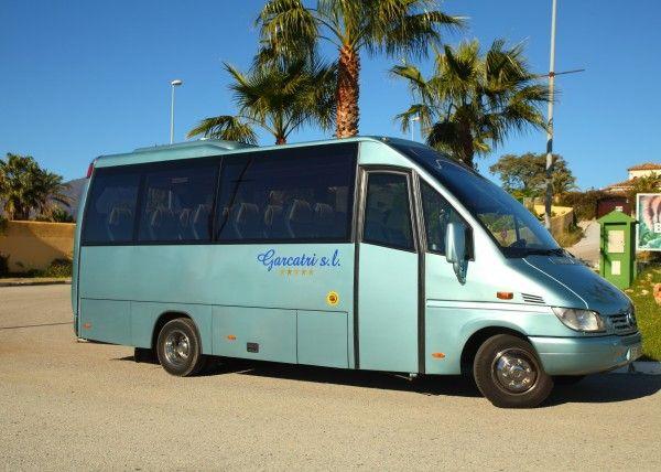 Minibús Mercedes Deluxe para 22 personas. Imagen 1