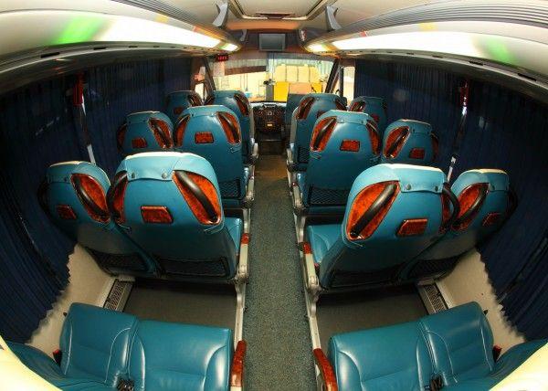 Minibús Mercedes Deluxe para 22 personas. Imagen 5