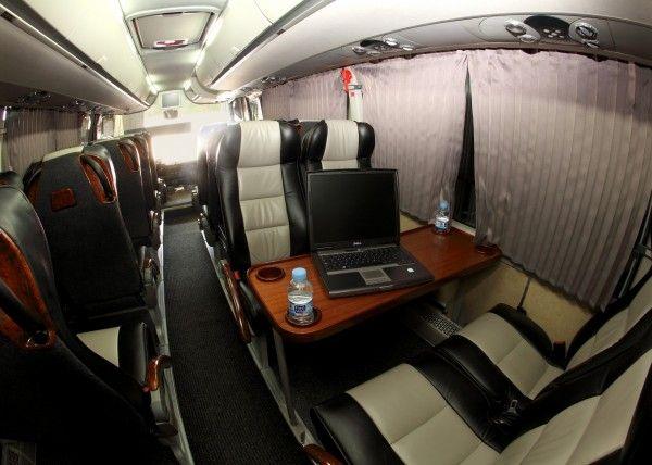 Minibús Mercedes Deluxe para 29 personas. Imagen 4