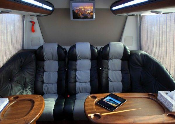Minibús Mercedes Gran Luxe para 15 personas. Imagen 3