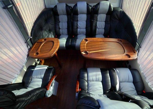 Minibús Mercedes Gran Luxe para 15 personas. Imagen 4
