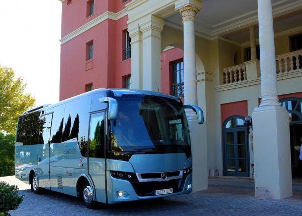 Minibús Mercedes Gran Luxe para 26 personas. Imagen 1