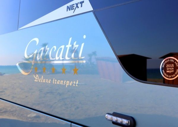 Minibús Mercedes Gran Luxe para 26 personas. Imagen 2