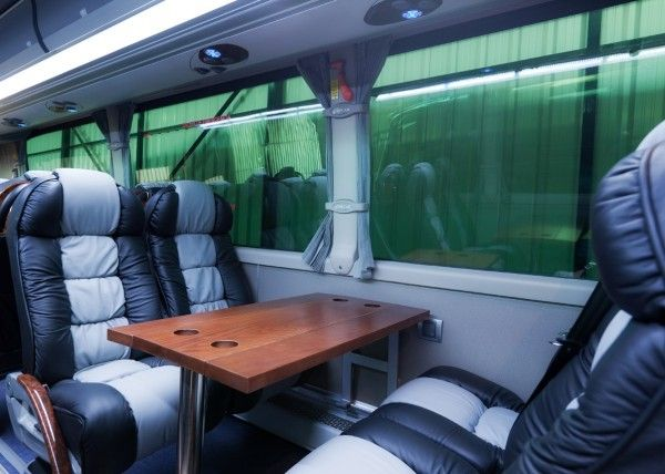 Minibús Mercedes Gran Luxe para 30 personas. Imagen 6