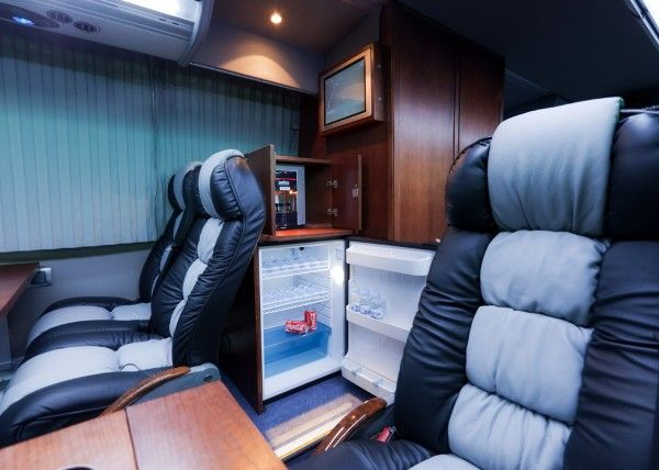 Minibús Mercedes Gran Luxe para 30 personas. Imagen 8