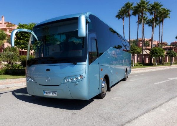 Minibús Mercedes Gran Luxe para 30 personas